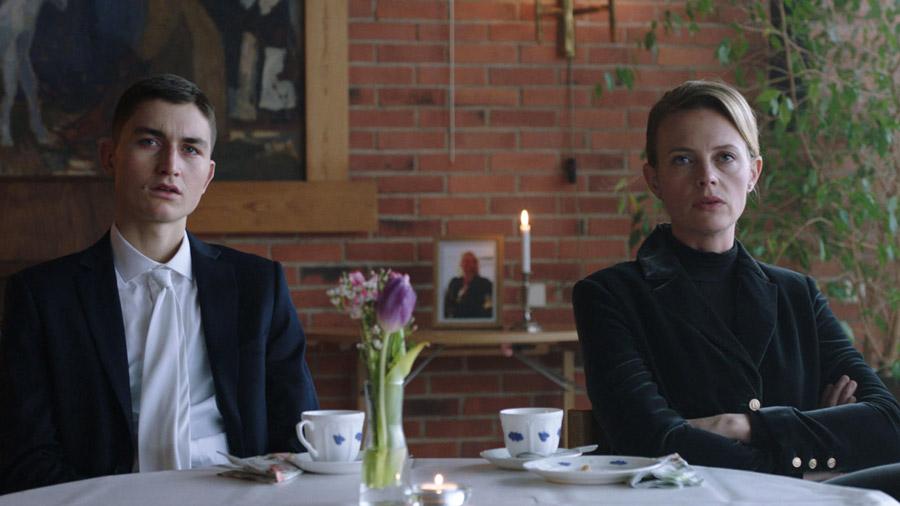 Älska mig - svensk tv-serie
