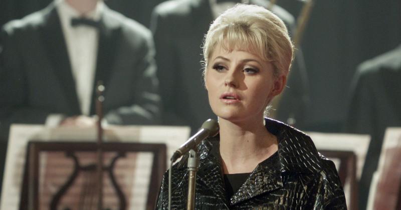 Edda Magnason i rollen som Monica Zetterlund.