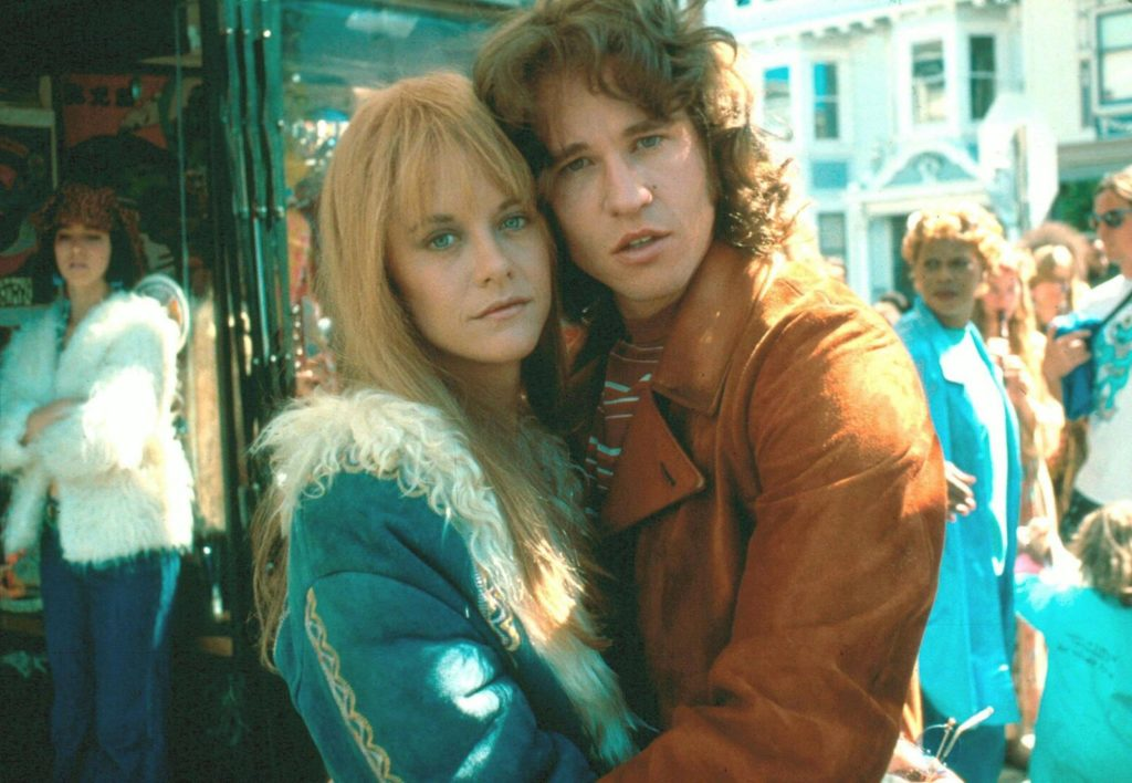 Meg Ryan och Val Kilmer i rollerna som Pamela Courson och Jim Morrison i filmen The Doors.